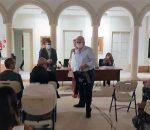 El Ayuntamiento homenajea a los docentes jubilados en la apertura institucional del curso escolar
